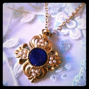 Beautiful VTG Necklace